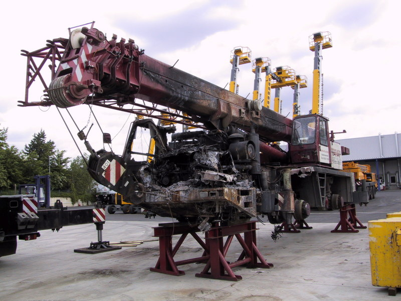 Krupp KMK 4070 for parts - Crane sales - UCM Holland, we buy and ...