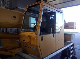 Liebherr LTM 1030-2 upper cab