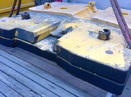 Counterweight LTM 1060-2  2.7 ton