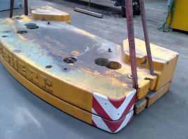 Counterweight LTM 1080-1   3.3 ton