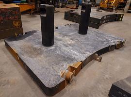 GMK 5220 11 ton counterweight