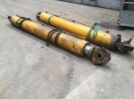 Liebherr LTM 1140 boom cylinder set