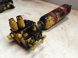 Axle locking valve incl. accumulator