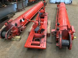 LTM 1500-8.1 boom lift cylinder set