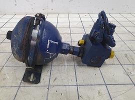 Axle lock, accumulator