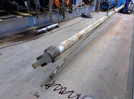 Liebherr LTM 1060 telescopic cylinder