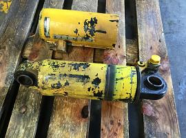 LTM 1050-1 suspension cylinder