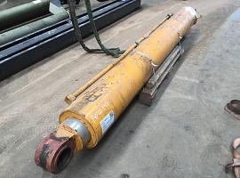 Liebherr LTM 1070 boom cylinder