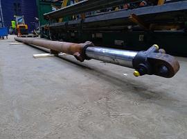 Liebherr LTM 1060 Telescopic boom cylinder