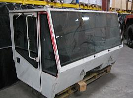 Demag AC 155 lower cabine
