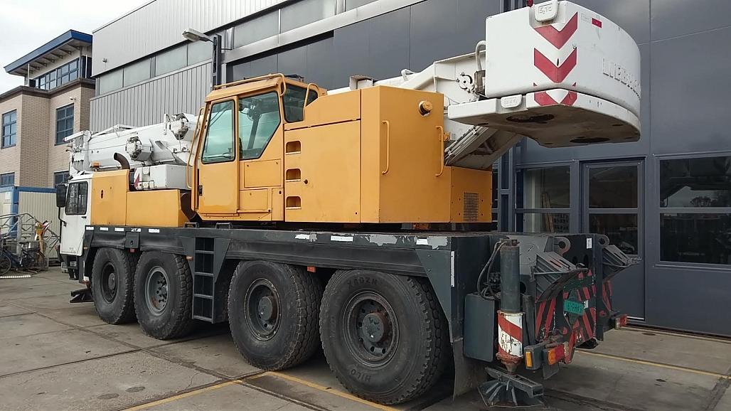 Liebherr LTM 1070-1