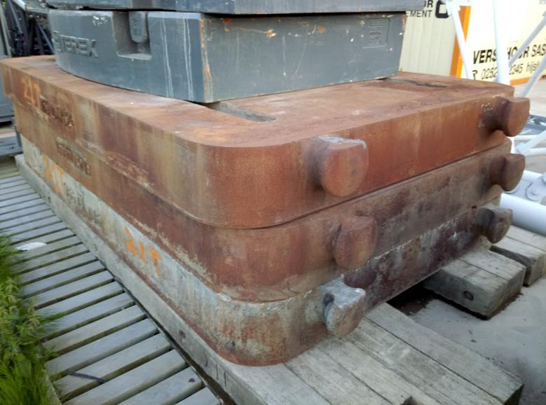 21 Ton Counterweight Plates